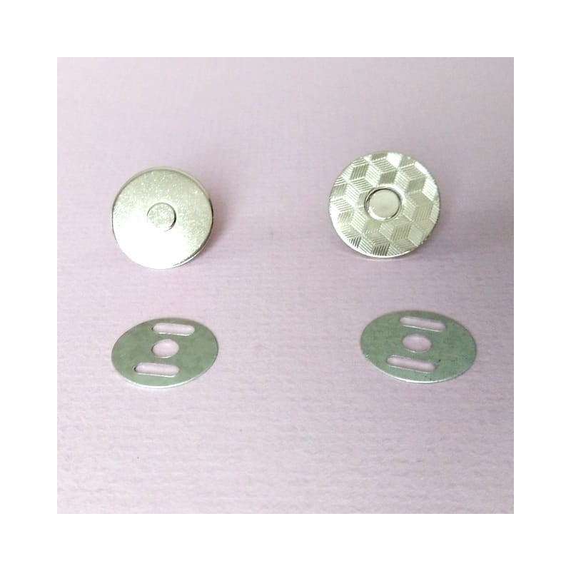 Magnes zapiecie srebrny 18 mm 1 kpl.