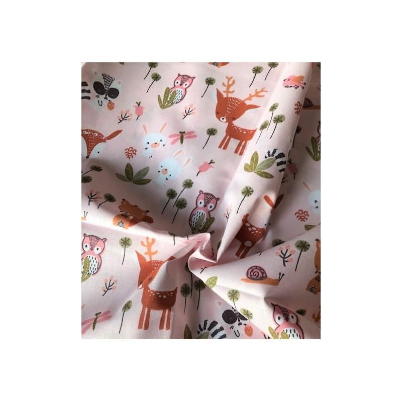 Bawełna wiewiórka ślimak jelonek na różowym...