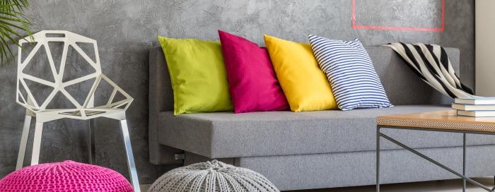 Wiosenne trendy kolorystyczne. Modne dodatki do domu - poszewki na poduszki dekoracyjne